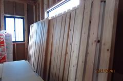 新築工事:ヒノキ材乾かし